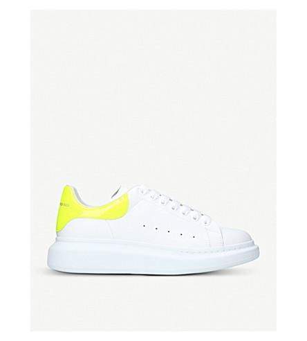 ALEXANDER MCQUEEN 展示真皮平台运动鞋 (白色/其他