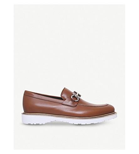 SALVATORE FERRAGAMO Gancini leather loafers (Tan
