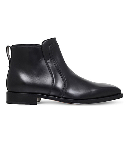 SALVATORE FERRAGAMO Goar leather boots (Black