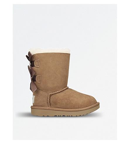 UGG贝利蝴蝶结 II 羊皮靴子 (棕色