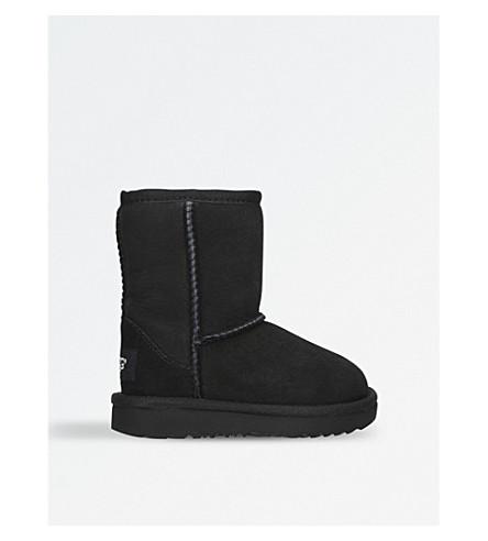 UGG Classic II sheepskin boots 3-6 years (Black