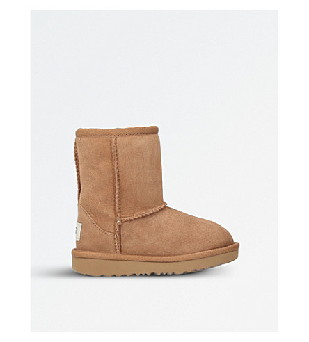 UGG Classic short sheepskin boots (Brown