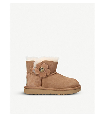 UGG Mini Bailey Button Poppy suede and sheepskin boots 3-7 years (Brown