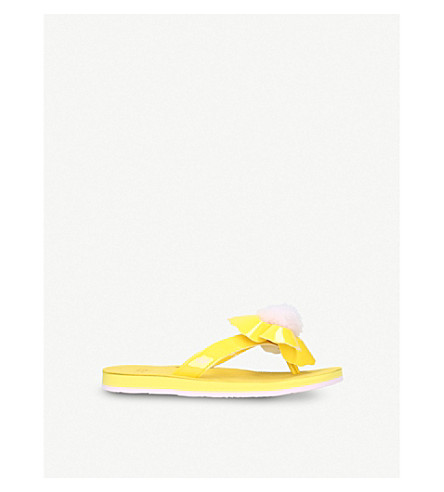 UGG Poppy patent leather flip flops 7-9 years (Yellow