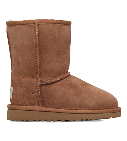 UGG Classic short sheepskin boots 2-7 years (Brown