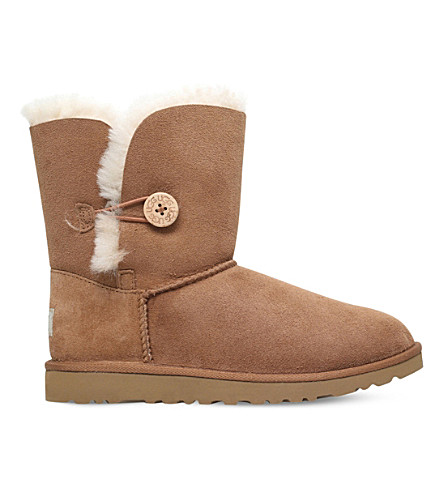 UGG Bailey button sheepskin boots 8-10 years (Brown
