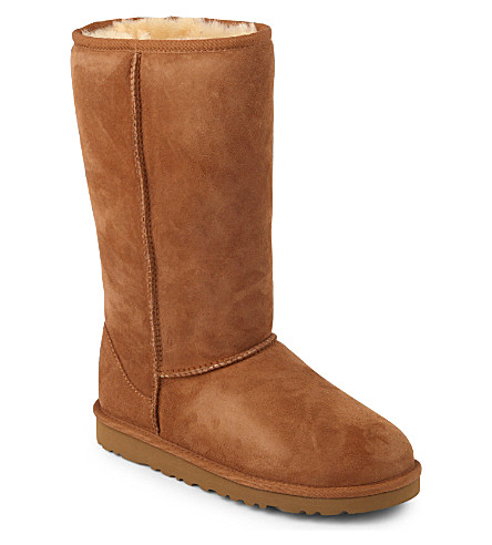 UGG Classic tall sheepskin boots 8-10 years (Brown