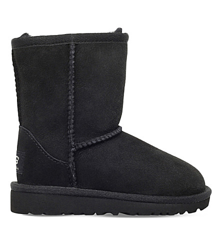 UGG Classic short sheepskin boots 6-9 years (Black