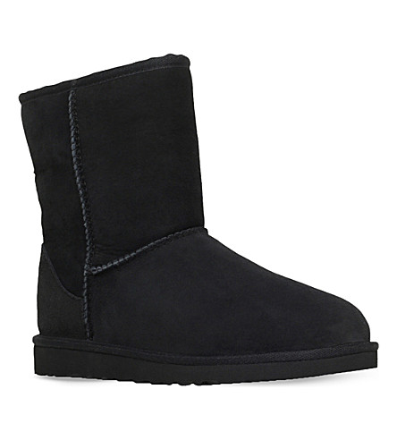 UGG Classic short sheepskin boots 8-10 years (Black