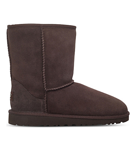 UGG Classic short sheepskin boots 9-11 years (Dark+brown