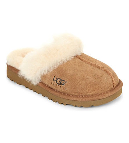 UGG Cozy sheepskin slippers 6-7 years (Brown
