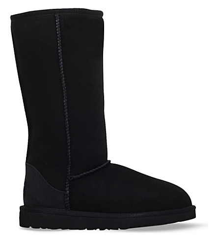 UGG Classic tall sheepskin boots 6-9 years (Black