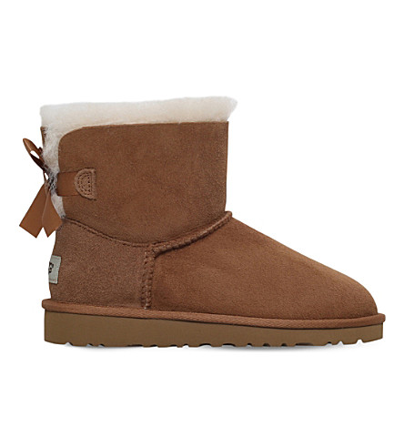 UGG Mini bailey bow boots 6-9 years (Brown