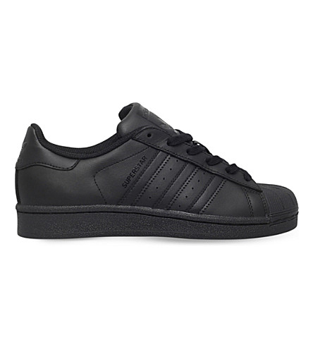 ADIDAS Superstar Foundation leather trainers 9-11 years (Black