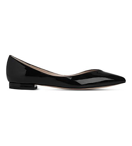 LK BENNETT 路易莎指出专利皮革平底鞋 (黑