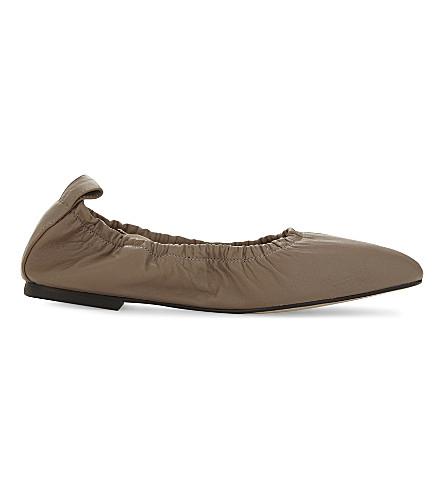 LK BENNETT 科拉皮革芭蕾舞演员高跟鞋 (兄弟痣