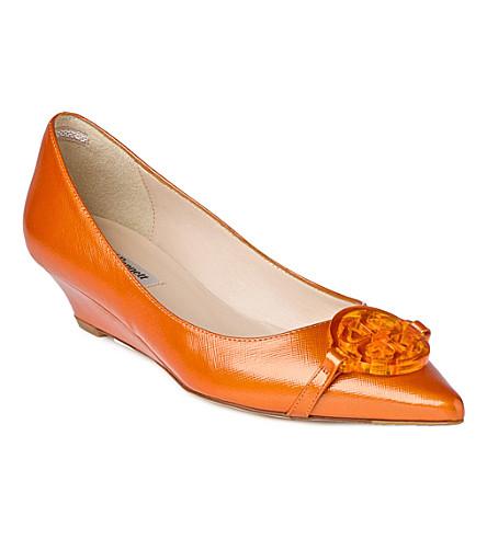 LK BENNETT Taylor patent leather wedge courts (Ora-tangerine