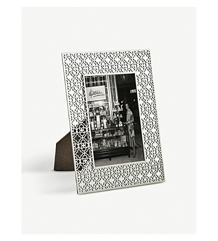 "KENDRA SCOTT Filigree picture frame 9"" x 7"" (Antique+brass"