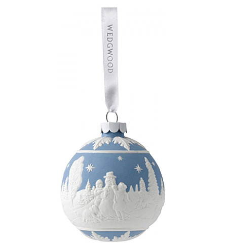 WEDGWOOD Building a snowman bauble blue