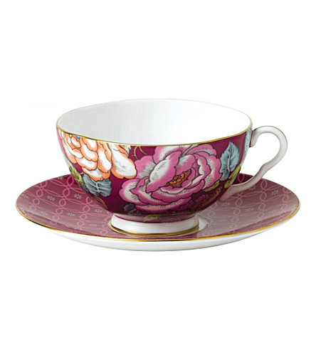 WEDGWOOD Raspberry tea garden teacup and saucer set