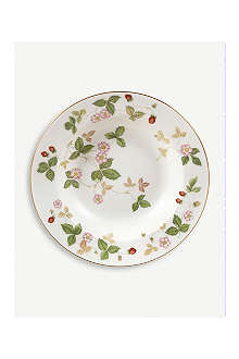 WEDGWOOD Wild strawberry soup plate