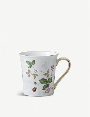 WEDGWOOD Wild strawberry mug