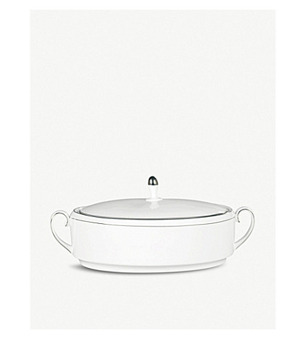 VERA WANG @ WEDGWOOD Blanc sur Blanc covered vegetable dish
