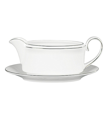 VERA WANG @ WEDGWOOD Blanc sur Blanc sauce boat stand