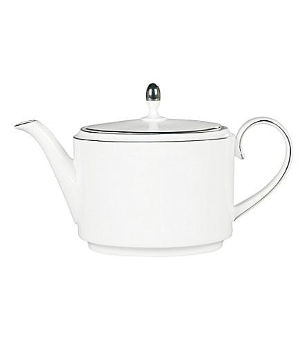 VERA WANG @ WEDGWOOD Blanc sur Blanc teapot