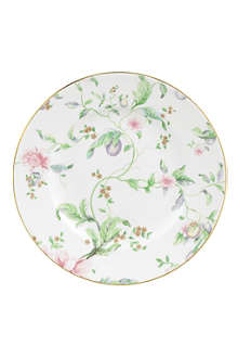 WEDGWOOD Sweet Plum 20cm accent plate