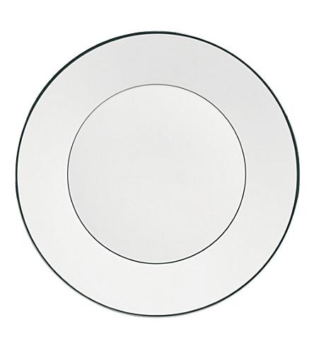 JASPER CONRAN @ WEDGWOOD Platinum plate 18cm