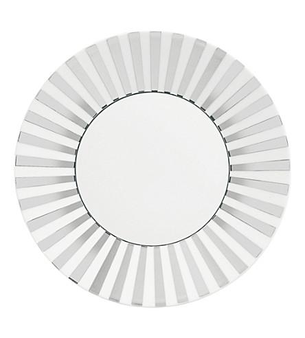JASPER CONRAN @ WEDGWOOD Platinum Striped plate 23cm
