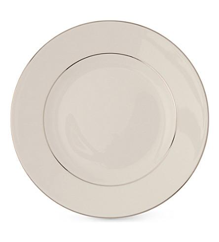 WEDGWOOD Signet Platinum plate 20cm