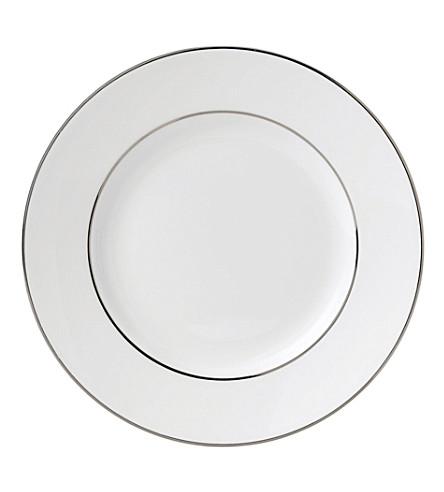 WEDGWOOD Signet Platinum plate 15cm