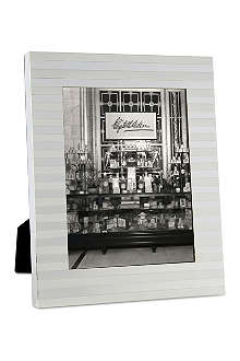 WEDGWOOD Intaglio Collection large silver frame 8x10