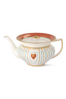 WEDGWOOD Queen of Hearts teapot