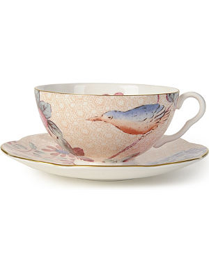 WEDGWOOD Cuckoo teacup and saucer peach