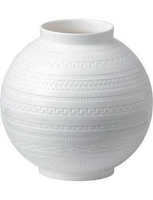 WEDGWOOD Intaglio vase 6