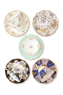 ROYAL ALBERT 1900–1940 teacup and saucer set