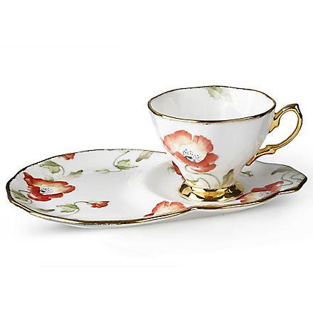 ROYAL ALBERT 1970 Poppy hostess set