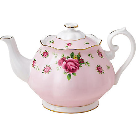 ROYAL ALBERT New Country Roses Pink teapot 1.25L