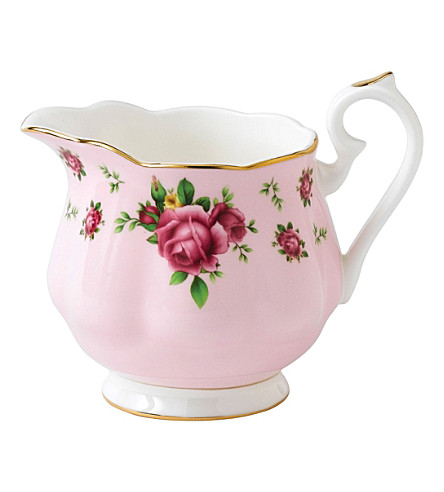 WEDGWOOD New Country Roses pink creamer