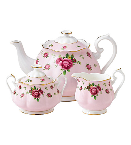 WEDGWOOD New Country Roses Pink three-piece tea set