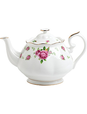 ROYAL ALBERT New Country Rose vintage teapot