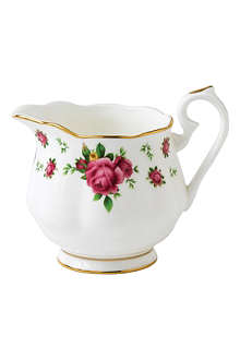 WEDGWOOD Royal Albert New Country Roses vintage creamer