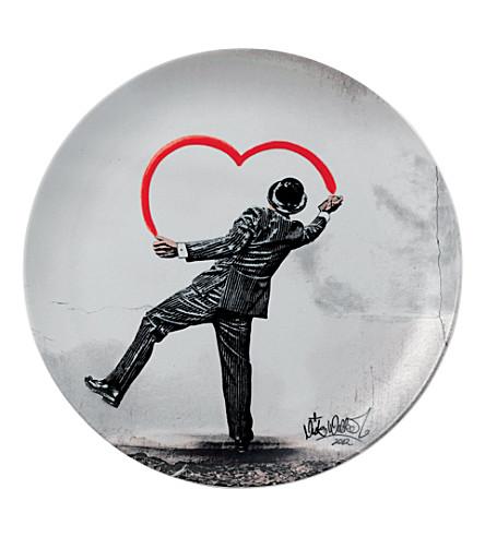 ROYAL DOULTON Nick Walker 'love vandal' plate 27cm