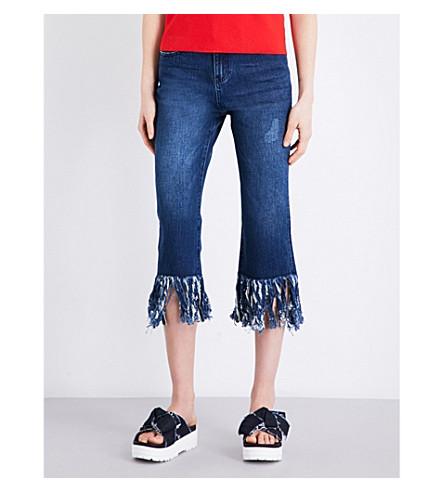 MO&CO.生下摆直腿牛仔裤 (蓝色 + 牛仔布