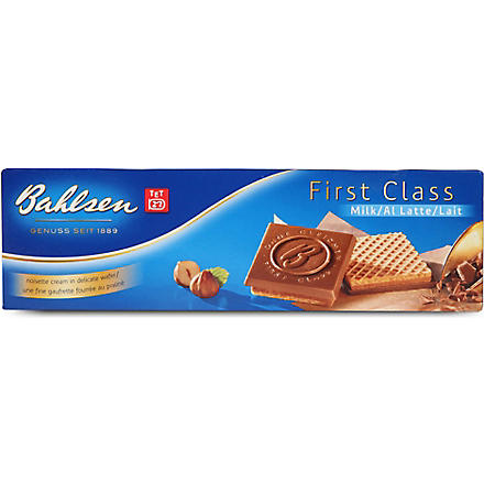 First Class milk chocolate wafers 125g
