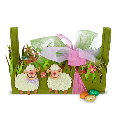 Felt sheep basket with chocolate eggs 225g