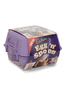 CADBURY Egg'n'Spoon vanilla chocolate mousse 136g